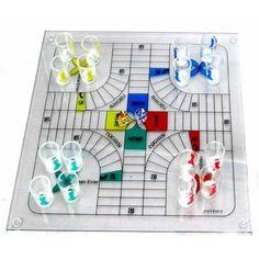Parchís de cristal.  http://www.cosaspararegalar.es/ideas-para-regalar/juegos-de-mesa/juego-parchis-325.html