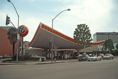 When gas stations were cool lookin'...