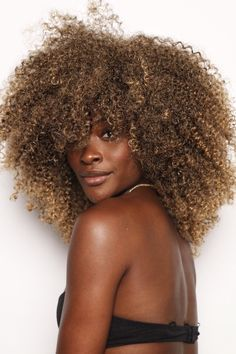 Is this a Full Wig or Half Wig? Full Wig: Which means that you dont have to leave you hair out in the front. This style Easy Party Hairstyles, Twist Hairstyles, Homecoming Hairstyles, Hairstyle Ideas, Long Curly Hair, Curly Hair Styles, Natural Hair Styles, Best Wigs, Half Wigs
