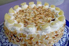 Pineapple Cream Cake by kuzu Easy Cookie Recipes, Sweet Recipes, Baking Recipes, Cookie Cake Decorations, German Cake, Cake Decorating For Beginners, Naked Cakes, Cream Cake, Different Recipes