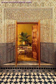 Morocco Travel Inspiration - Door In Marrakech, Marrocos