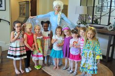Elsa brings Frozen magic to the children at this birthday party! To invite Elsa to your party, contact www.DreamComeTrueParty.com