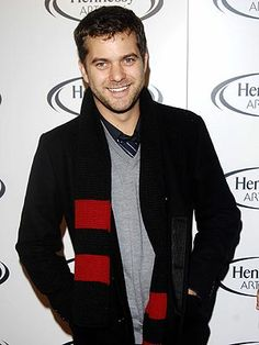 I just loved him as Pacy on Dawsons Creek!!!!! and Fring aint half bad either :)  Joshua Jackson