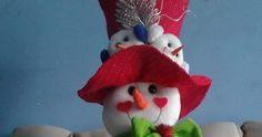 Crochet Snowman - New Handmade - White Red & Green - Christmas Decor Green Christmas, Christmas Angels, Winter Christmas, Snowman Christmas Decorations, Christmas Snowman, Christmas Ornaments, Knitted Dolls, Felt Dolls, Primitive Christmas
