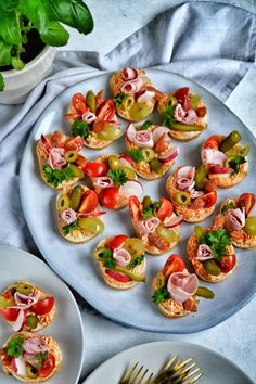 Tapas, Charcuterie Board, Bruschetta, Buffet, Grilling, Baking, Eat, Ethnic Recipes, Kitchen
