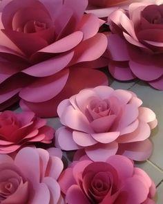 Quinceanera Themes, Sweet 15, Art Plastique, Flower Crafts, Paper Flowers, Diy, Baby Shower, Rose, Plants