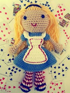 CROCHET - ALICE IN WONDERLAND - Amigurumi Alice in Wonderland - FREE Crochet Pattern / Tutorial