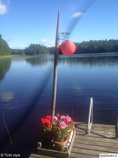 Dock planter with a pole and lantern ~Our cottage - Interior Photos tiina member lampinen - StyleRoom