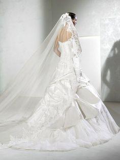 menyasszonyi ruha, Pronovias cégcsoport La Sposa 2013-as kollekció