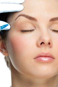BOTOX para el rejuvenecimiento facial. El botox es un tratamiento indoloro para el rejuvenecimiento facial, con excelentes efectos contra las arrugas de expresión del rostro: frente, entrecejo, patas de gallo, labios, cuello. Conoce qué es, cómo se realiza, su precio y cuando no usarlo. http://miradiofrecuenciafacial.com/botox/ #rejuvenecimiento #cutis #trucosbelleza #cuidadospiel  #belleza