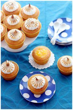 Foodagraphy. By Chelle.: Lemon Meringue Cupcakes