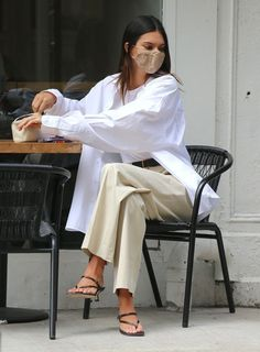 Mode Outfits, Fashion Outfits, Womens Fashion, Oversized White Shirt, Mode Ootd, Kendall Jenner Outfits, Looks Vintage, Mode Inspiration, Mode Style
