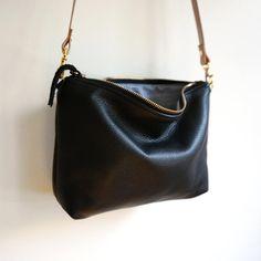 Hobo Purses, Purses And Handbags, Leather Hobo Handbags, Leather Purses, Black Crossbody Purse, Hobo Crossbody Bag, Black Leather Bags, Clutch, Black Purses