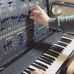 Wonky Arp 2600 grumbling into cranky Echo Dek. Our monthly mailout goes out later today - it's a big synth month so sign up at www.soundgas.com if you don't want to miss it. You also get first look at the new Soundgas list - check your inbox later this morning...