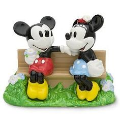 Mickey Mouse & Minnie Mouse Salt & Pepper Shakers