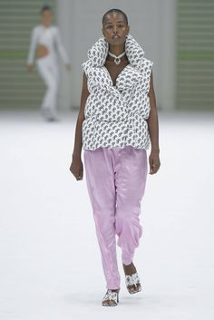 Saks Potts Copenhagen Spring 2019 Fashion Show Collection: See the complete Saks Potts Copenhagen Spring 2019 collection. Look 23 Copenhagen Style, Copenhagen Fashion Week, Runway Fashion, Womens Fashion, Fashion Trends, Valentino, Saks Potts, Dior, Fashion Show Collection