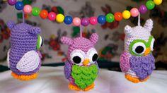 Ugler til barnevognen - - Familie Journal  Now this is the cutest little owl I've seen...wish I could translate the pattern :(