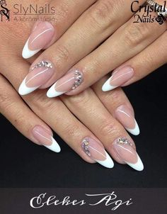 reverse french nails Half Moon Manicure in 2020 Frensh Nails, Glam Nails, Classy Nails, Stylish Nails, Diy Nails, Cute Nails, Pretty Nails, Reverse French Nails, French Acrylic Nails