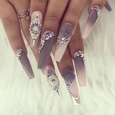 Bling Acrylic Nails, Glam Nails, Best Acrylic Nails, Rhinestone Nails, Stiletto Nails, Nail Swag, Ongles Bling Bling, Bling Nails, Bling Nail Art