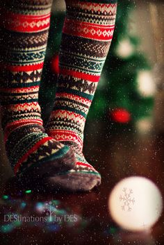 What an adorable Christmas time picture with beautiful cosy winter socks Cozy Christmas, All Things Christmas, Christmas Time, Christmas Tights, Country Christmas, Holiday Socks, Christmas Stockings, Christmas Morning, Christmas Carol