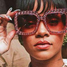 ❤ in your eyes Rihanna Outfits, Rihanna Style, Rihanna Fashion, Gucci Sunglasses, Cat Eye Sunglasses, Sunglasses Women, Sunnies, Sunglasses For Your Face Shape, Rihanna Diamonds
