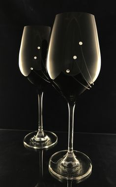 Glasses for wine with Swarovski crystals.