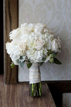 White rose and hydrangea bouquet // image by Lizzie Loo Photography