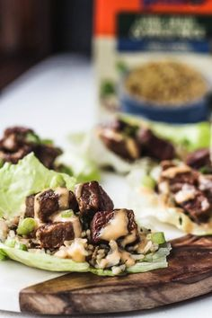 These Hibachi Steak Lettuce Wraps are a quick and easy dinner when you& pinched for time! Quick cooked steak, rice and yum yum sauce are wrapped in lettuce leaves. Easy Steak Recipes, Low Carb Recipes, Beef Recipes, Cooking Recipes, Roast Beef Lettuce Wraps, Steak Wraps, Hibachi Steak, Lettuce Recipes, Yum Yum Sauce