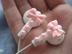 Bow earphones