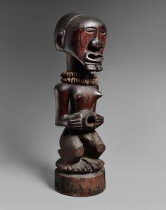 A SONGYE POWER FIGURE  Democratic Republic of the Congo, Auktion 1045 Afrikanische und Ozeanische Kunst, Lot 54