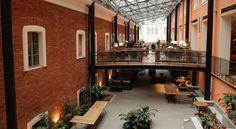 Booking.com: Solo Sokos Hotel Palace Bridge tarjoaa ylelliset sisätilat sekä tyylikkään span, jossa on sisäuima-allas ja kahdeksan erilaista saunaa.