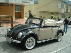 Vw Super Beetle, Volkswagen Beetle Cabriolet, Vw Volkswagen, Vw Beetle Convertible, Car Camper, Vw Cars, Vw Beetles, Classic Cars, Shovel