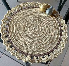 Sousplat de crochê feito em barbante. 33cm Comprando acima de 6 envio brinde. Pode ser na cor da sua preferência.
