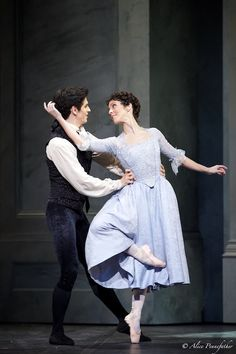 Federico Bonelli as Victor Frankenstein and Laura Morera as Elizabeth