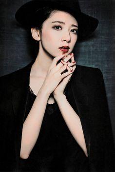 日々是遊楽 — 46wallpapers: Mai Shiraishi × Nanami Hashimoto...