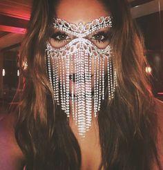 Mascarade Mask #HalloweenHairstylesForWomen