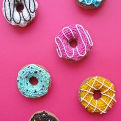 Fancy a donut (or two)? Get the free pattern on the blog! Just search for crochet donuts! If you make your own don't forget to tag me or add #littlethingsblogged to your pic! I'd love to see! #crochet #crocheting #crochetdonuts #amigurumi #amigurumidonuts #littlethingsblogged #donuts #sweets #yarn #yarnlove