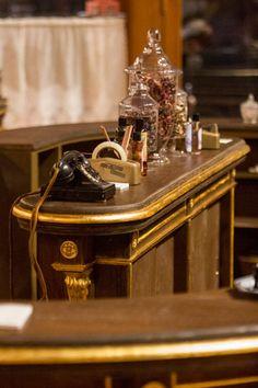 Behind the scenes of the Parfumerie set!