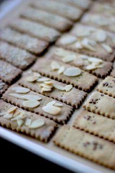 Gluten Free Snack – Healthy Amaranth Flour Crackers with Roasted Cauliflower Dip!