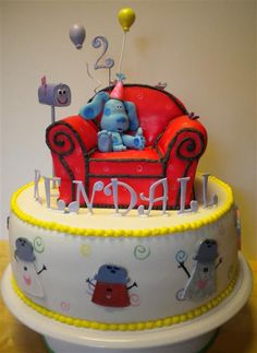 Cool Blue's Clues  cake. - love the shakers around the side