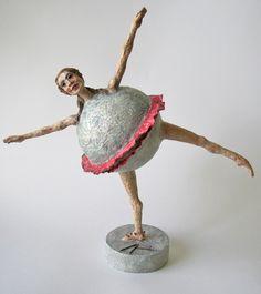 Erika Takacs - Paper Mache Sculpture    http://www.erikatakacs.com