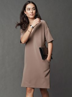 The trendiest Straight Dresses for women are all right here! Shop clothing from international brands and our own private labels. Minimalist Dresses, Minimalist Shoes, Minimalist Fashion, Elegant Dresses, Parfait, Work Wear, Latest Trends, The Office, Cold Shoulder Dress