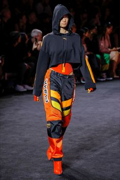 Rihanna continued to deliver cool girl style with the Fenty x Puma spring-summer 2018 collection shown during New York Fashion Week. Fashion Week, Sport Fashion, New York Fashion, Runway Fashion, High Fashion, Womens Fashion, Fashion Trends, Fashion Fashion, Mode Outfits