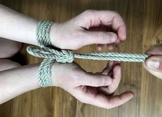 Single-column and double-column ties are the foundation for more complicated shibari ties, and they're also fun on their own! Japanese Rope, Rope Tying, Rope Art, Hands Together, Tie Knots, Cool Photos, Tatting, Fallen Angels, Drawing Tutorials