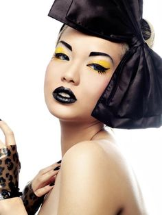 for whatever reason i love this black and yellow look :)