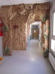 Resultado de imagen para puerta decorada prehistoria