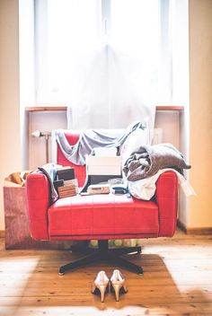 daniela-matejschek Beautiful Moments, Professional Photographer, Love Seat, Couch, Furniture, Home Decor, Homemade Home Decor, Sofa, Small Sofa