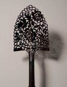 Intricate Lace Patterns From Metal Tools, Cal Lane - My Modern Metropolis Garden Art, Garden Tools, Garden Ideas, Atelier D Art, Metal Yard Art, Metal Tools, Modern Metropolis, Metal Artwork, Lace Patterns