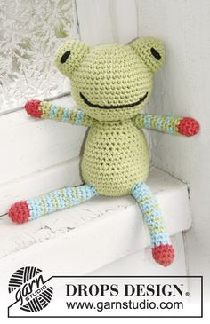 Crochet frog pattern - lots of patterns here