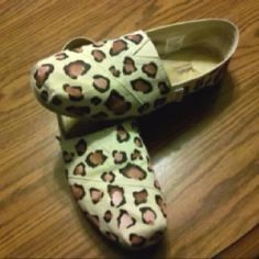 Leopard print TOMS in acrylic